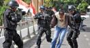 Densus 88 Escorts Terrorism Convict To Mataram - JPNN.com