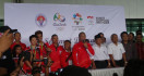 Muncul di Acara Penyambutan Owi/Butet, Akom Malah Dicibir Wartawan - JPNN.com