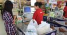 Banyak Pusat Perbelanjaan Belum Berlakukan Kantong Plastik Berbayar - JPNN.com