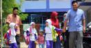 Ya Ampun! Gendong Keponakan Dituding Penculik Anak - JPNN.com