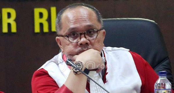 Anak dan Menantu Jokowi Maju Pilkada, Politikus PDIP: Jangan Dianggap Nepotisme - JPNN.COM