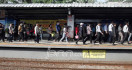 Perjalanan KRL di Stasiun Manggarai Berangsur Normal - JPNN.com