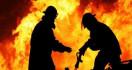 Kebakaran, Seorang Pemilik Warung Tewas Terbakar - JPNN.com