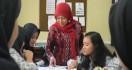 Gaji Guru Honorer Naik jadi Rp 2,6 Juta - JPNN.com
