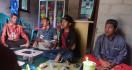 Pak Ustaz Dihajar Pakai Senapan Angin di Depan Masjid - JPNN.com