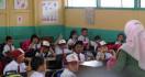 Gaji Guru Tidak Tetap Rendah, Masih Aja Dipotong - JPNN.com
