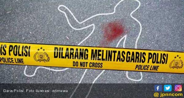 Wanita Tewas Bersimbah Darah di Pinggir Jalan, Diduga jadi Korban Penjambretan - JPNN.COM