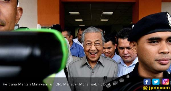Masih Ngebet Jadi Perdana Menteri, Mahathir Malah Dijegal Partai Sendiri - JPNN.COM