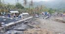 Kemensos Beri Bantuan untuk Korban Kebakaran di Gurusina - JPNN.com