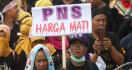 Pentolan Honorer K2 Sebut Pemerintah Plintat-plintut - JPNN.com