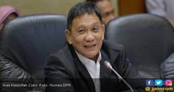 Inas: Ini Edan, Kok Jubir Presiden yang Mengaku Sahabat Rocky Gerung Hanya Tersenyum - JPNN.COM