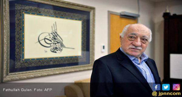 Fethullah Gulen Minta Negara Barat dan Islam Bersatu Menghentikan Tirani Erdogan - JPNN.COM
