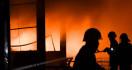 14 Rumah di Lebak Terbakar - JPNN.com