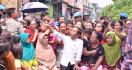 Emak - emak Jos EGP Bakal Terus Kawal Jokowi - JPNN.com