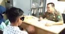 Tepergok Berbuat Asusila, Dua Pelajar Diamankan Satpol PP - JPNN.com
