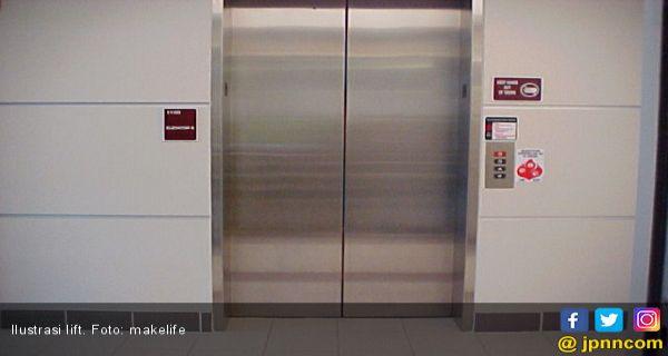 Lift Macet di Pasar Tanah Abang Bikin Panik Pengunjung - JPNN.COM