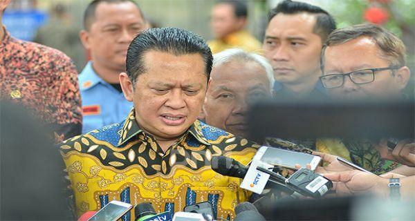 Istana Berperan Atas Mundurnya Bamsoet dari Pemilihan Ketum Golkar - JPNN.COM