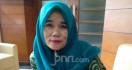 Titi Honorer K2 Minta Kepastian Penyelesaian Revisi UU ASN - JPNN.com
