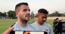 Simon McMenemy dan Fakhri Husaini Kejar Lisensi AFC Pro - JPNN.com