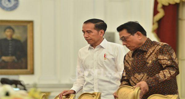 Bantahan Moeldoko buat Rocky Gerung soal Tudingan Jokowi Tak Paham Pancasila - JPNN.COM