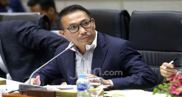 Pimpin Komisi III DPR, Herman Herry PDIP Kebut Tes Calon Kapolri - JPNN.COM