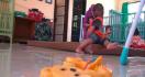 Puluhan Anak Ditelantarkan Orang Tua, Semoga Ada yang Mau Mengadopsi - JPNN.com