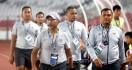 Fakhri Husaini Tinggalkan Timnas Indonesia U-19, Suporter: Pelatih Berprestasi Wajar Minta Naik Gaji - JPNN.com