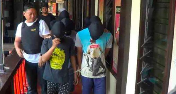 Anggi Dikeroyok 6 Pemuda, Dipukul dan Ditusuk dengan Sapu - JPNN.COM