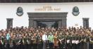 Gubernur Jabar Lepas 110 Milenial untuk Jadi Patriot di 50 Desa - JPNN.com