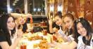 Cara Asyik Menyantap Seafood di Cut The Crab - JPNN.com