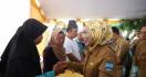Korban Kebakaran di Pasar Baros Dapat Bantuan Pemkab Serang - JPNN.com