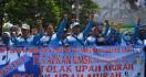 Puluhan Perusahaan di Banten Ajukan Penangguhan UMK 2020 - JPNN.com