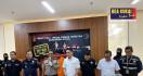Tujuh Preman, Ratusan Botol Miras Disikat Polda Banten - JPNN.com