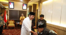 Perintah Pak Gubernur terkait Nasib Guru Honorer - JPNN.com
