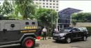 Rantis Brimob Kawal Pimpinan KPK Jilid IV Menuju Istana, Nih Fotonya - JPNN.com