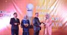 Senator Amaliah Raih Penghargaan Perempuan Inspiratif Indonesia 2019 - JPNN.com