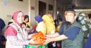 PA 212 Serahkan Ribuan Nasi Bungkus ke Korban Banjir Jakarta - JPNN.com