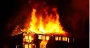 Kebakaran di Sekadau, Satu Keluarga Tewas Terbakar - JPNN.com