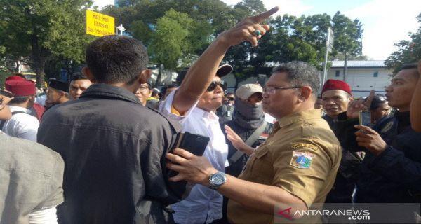 Tersulut Hoaks, Pendukung Anies Nyaris Bikin Keributan - JPNN.COM