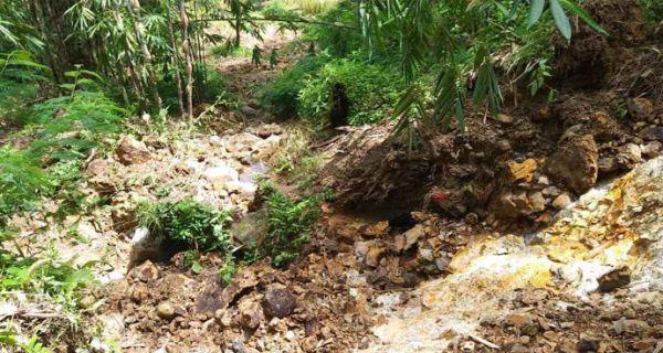 Innalillahi, Korban Bencana Tewas Tertimpa Batu saat Kerja Bakti - JPNN.COM