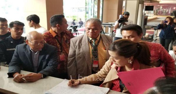 Datangi KPK, Tim Hukum PDIP Diminta Menulis Surat di Sekretariat - JPNN.COM
