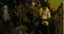 Pasangan Muda Mudi Kocar-Kacir di Stadion Saat TNI-Polri Datang - JPNN.com