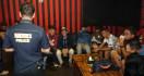 Polisi Obok-obok Tempat Hiburan Malam, 3 Pengguna Narkoba Diamankan - JPNN.com