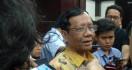 Rocky Gerung Singgung Omnibus Law, Mahfud MD: Itu Saja Jawabannya Titik - JPNN.com