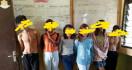 Empat Cewek dan Dua Cowok Tepergok Tengah Berbuat Terlarang di Rumah - JPNN.com
