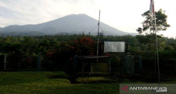 Gunung Semeru Alami 2 Kali Letusan, Status Waspada - JPNN.COM