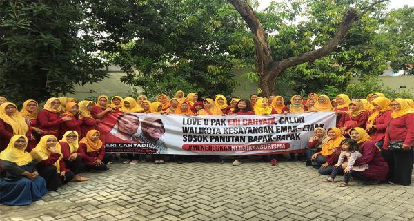 Bursa Pilkada Surabaya: Eri Cahyadi Disayang Emak-Emak, Panutan Bapak-Bapak - JPNN.COM