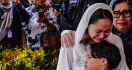 BCL Minta Para Santri Doakan Mendiang Suaminya Ashraf Sinclair - JPNN.com