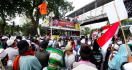 Massa Aksi 212 di Depan Istana: Buka, Buka, Buka! - JPNN.com