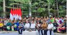 Presiden Bagikan SK Perhutanan Sosial dan Hutan Adat untuk Masyarakat Riau - JPNN.com
